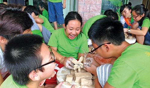 Parents should let kids enjoy fun-packed summer breaks: Vietnam educationist