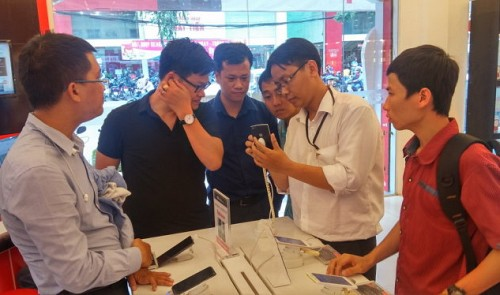 Vietnamese maker of Bphone wants to rival Apple, Samsung, despite domestic troubles