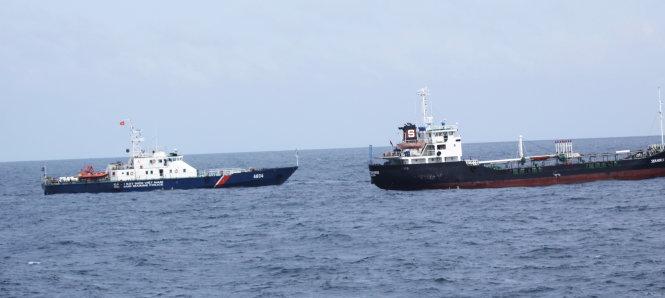 Vietnamese coast guards vs. pirates – P1: A face-to-face encounter