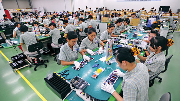 Vietnam's electronics industry booming with bright prospects, but changes needed