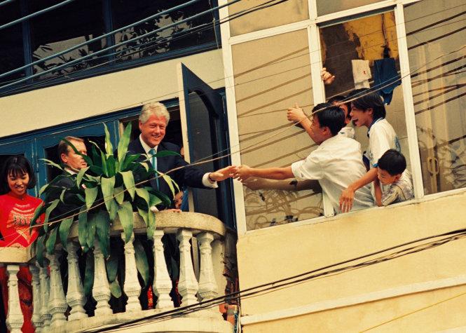 Bill Clinton in Hanoi picture wins photo contest