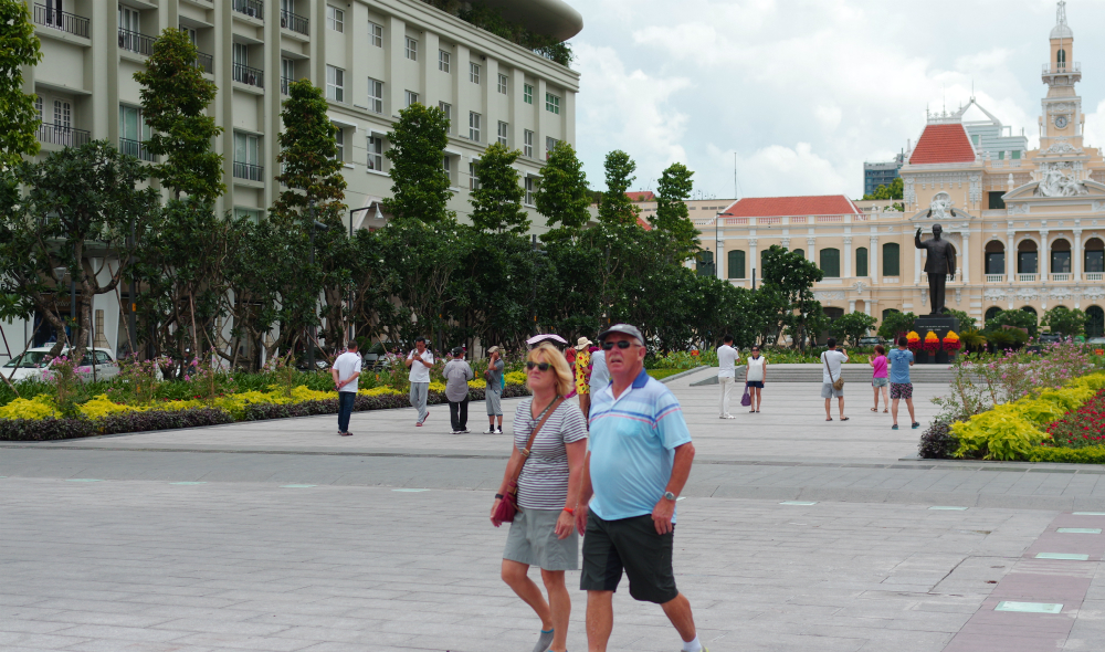 Vietnam economy to enter new development stage with more foreign participation