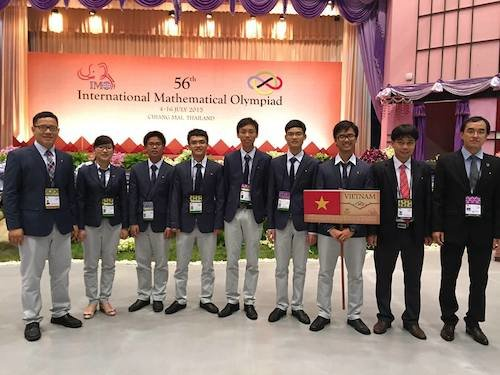 Vietnam bags numerous medals at int'l math, physics Olympiads