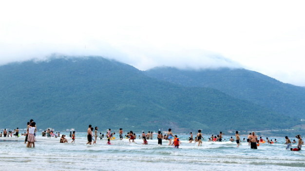 Those urinating at Da Nang beaches to be fined up to $14