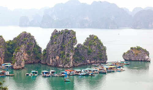 Ha Long Bay remains unpolluted despite nearby floods: Vietnam official