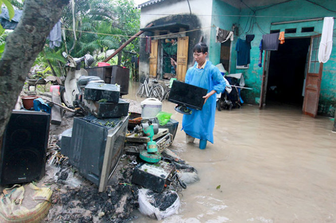 Vietnam's Quang Ninh Province, ravaged by floods, should re-plan residential areas: minister
