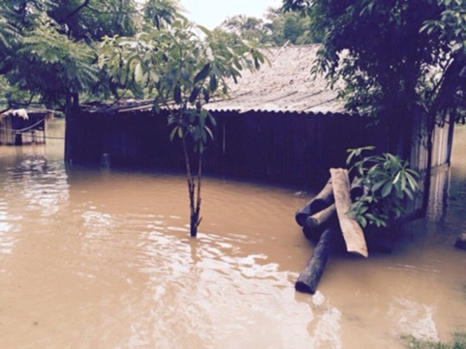 Flooding causes severe damage along Ma River in Vietnam