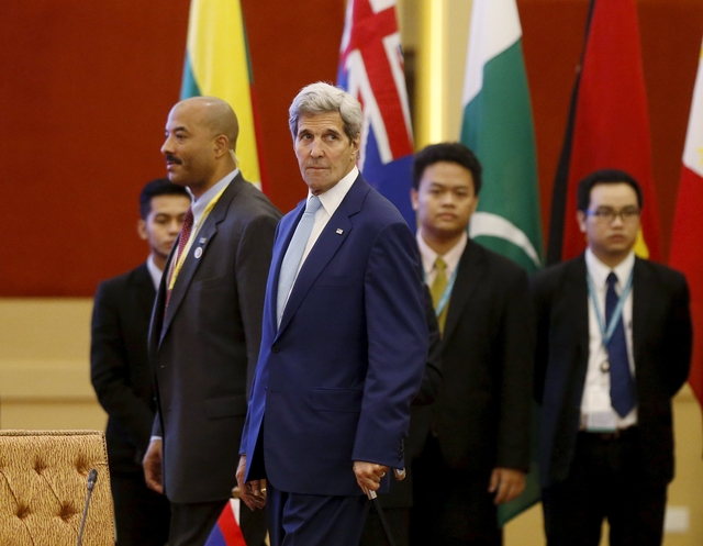 Kerry says U.S. will not accept restrictions in East Vietnam Sea