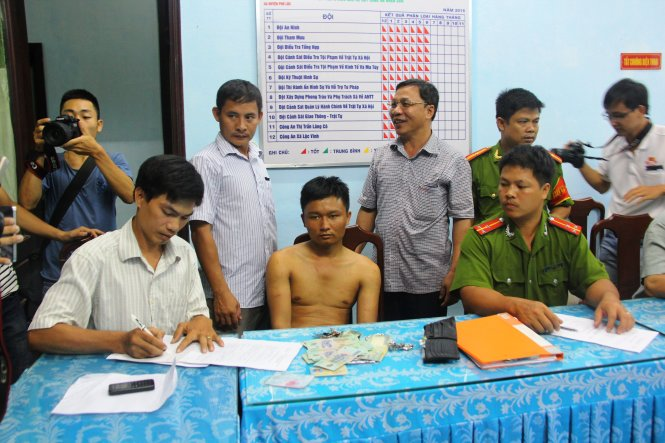 Armed thief nabbed after hiding on mountain in central Vietnam