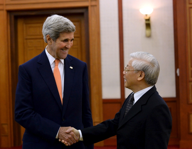 Vietnam's Party leader hails US Secretary Kerry's contributions to bilateral ties