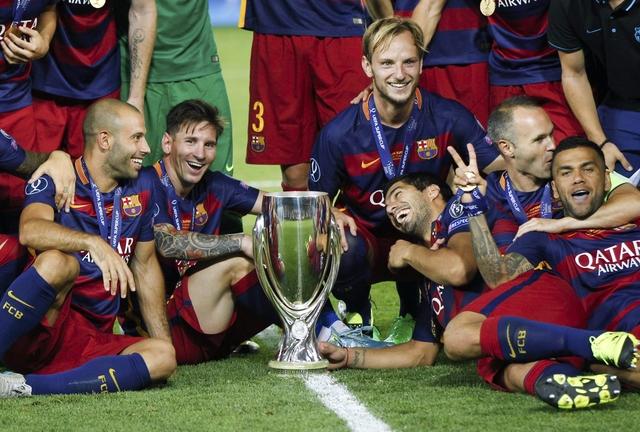 Pedro strike hands Barca Super Cup in nine-goal thriller