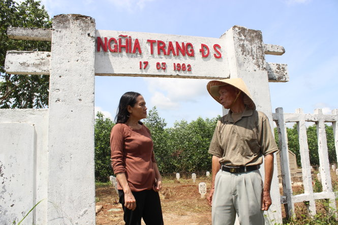 A return to the cemetery of unknown victims in Vietnam train crash