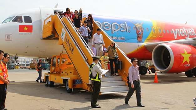 VietJet Air to sell shares to public in Vietnam within 2015
