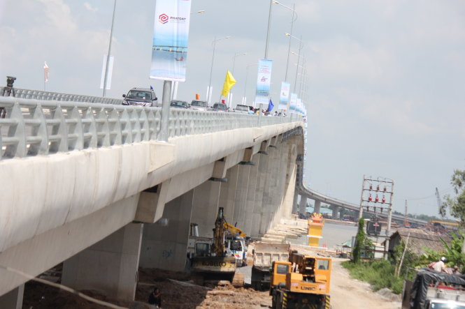 New bridge opens to traffic in southern Vietnam, reshapes regional transport route