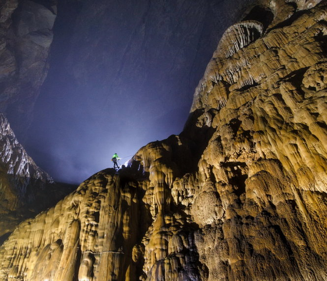 Vietnam temporarily ceases discovery tours to Son Doong Cave