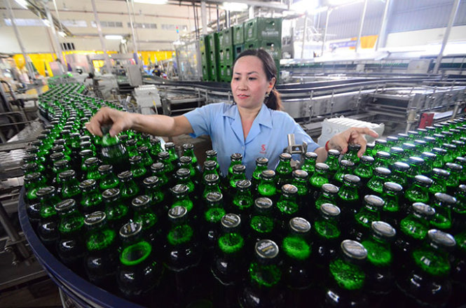Vietnam province warns officials for not drinking locally made Saigon beer