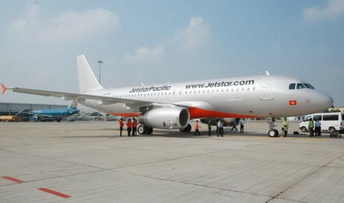 Stair car crashes into Airbus plane at Ho Chi Minh City airport
