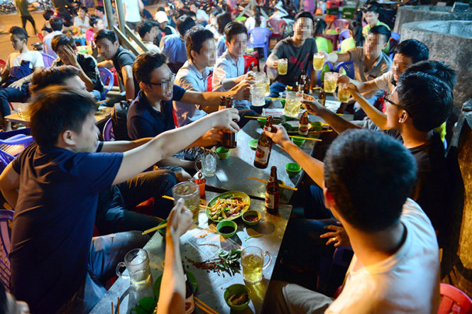 In Vietnam, young people claim drinking is indispensable part of life