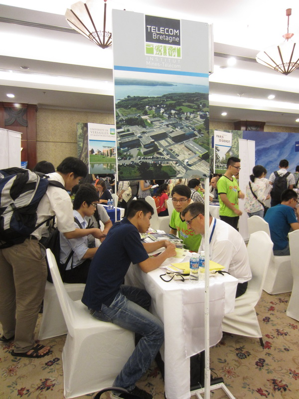 French education fair welcomes thousands of visitors in major Vietnamese cities