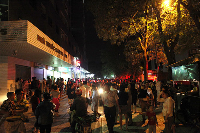 Second Hanoi high-rise fire in 3 days, hundreds escape in panic