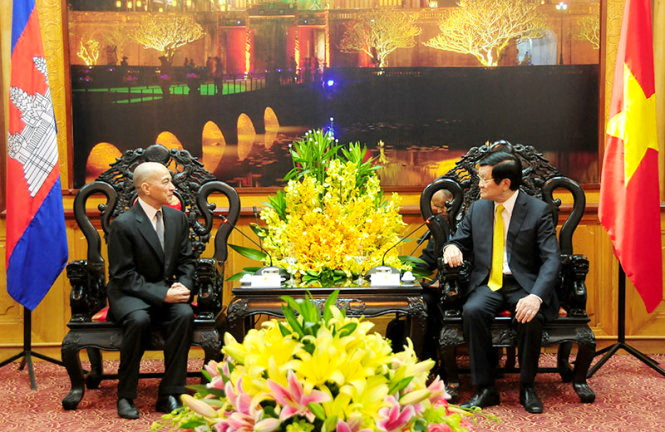 Vietnam gives priority to cementing ties with Cambodia: State President