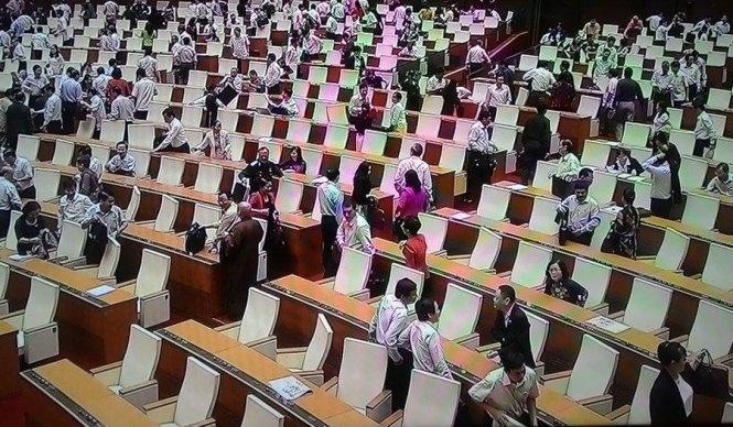 Vietnam legislature ends meeting early, again, as few lawmakers debate