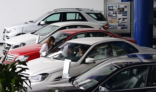 Vietnam may halve prices of small imported cars from 2019