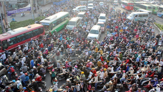 Traffic jam in Vietnam different from that the world over: officials