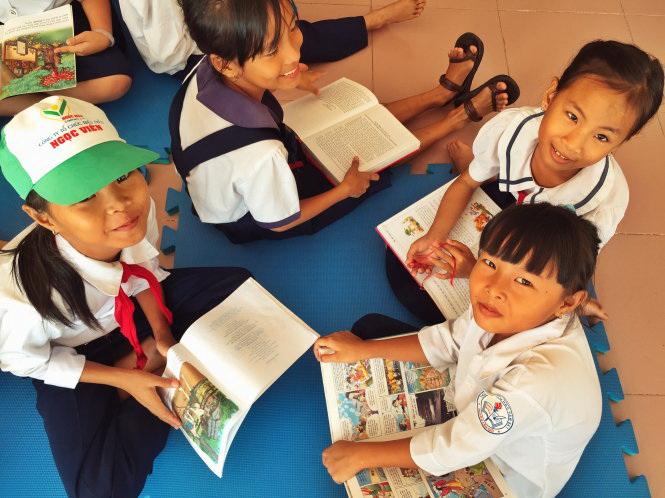 Busload of books brings reading joy to suburban Ho Chi Minh City kids