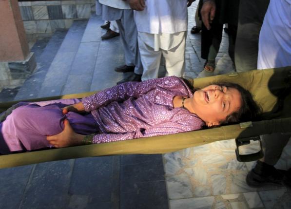 Powerful quake rocks South Asia, more than 160 dead