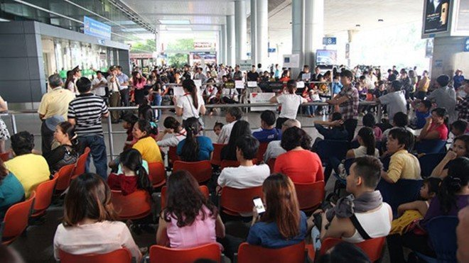 Minister orders thorough check on Vietnam's busiest airport