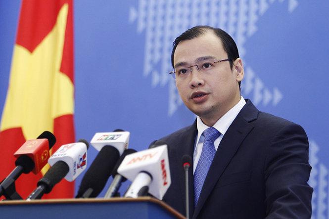 Vietnam responds to USS Lassen patrol around Chinese-built islands