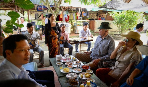 Icelandic president, wife fascinated by Vietnam's Mekong Delta tour