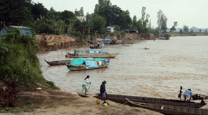 Farmers of Thailand, Cambodia and Vietnam demand halt to dike construction upstream Mekong River