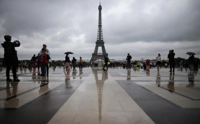 Vietnamese tourists begin canceling France tours after deadly Paris attacks