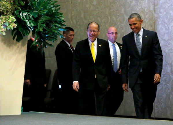 Obama says China must stop land reclamation in East Vietnam Sea