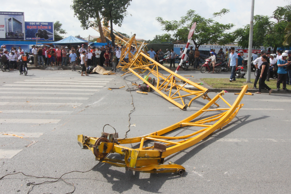 Construction crane accident kills one, injures 3 in Vietnam's Hai Phong