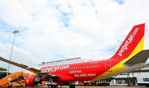 Old passenger accused of feeling up all four attendants on Vietnam flight