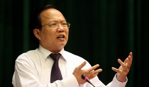 Minister passes responsibility for Vietnam's troubled tourism to successor