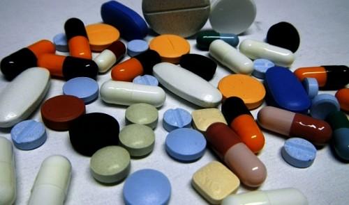 Pharmacies arbitrarily sell antibiotics to buyers in Vietnam