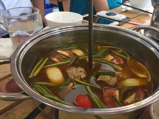 Ho Chi Minh City eatery calls for probe into rat-in-hotpot allegation