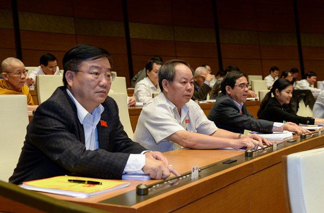 Vietnam legislature adopts law on referendum, among others