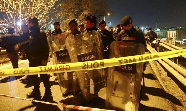 Bomb blast hits nervous Istanbul near metro station