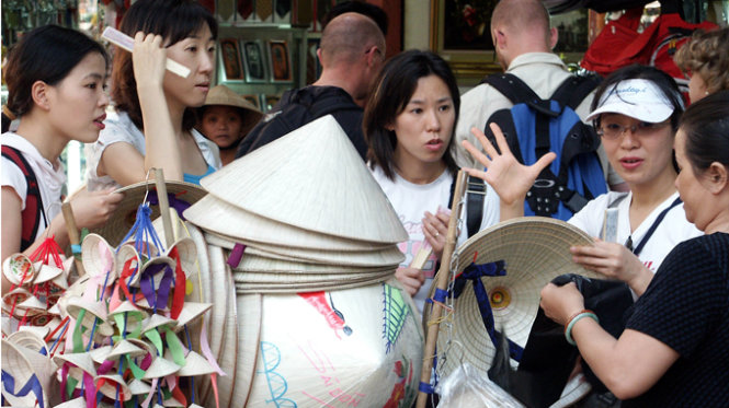 Supply of Japanese, Korean-speaking tour guides falls short in Ho Chi Minh City
