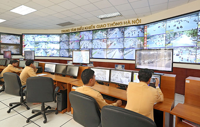 Hanoi begins issuing traffic tickets with proof from surveillance cameras