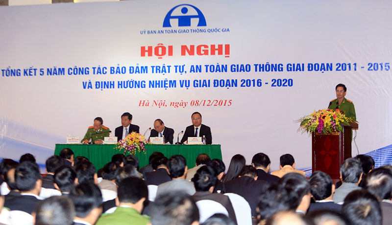 Deputy premier wants traffic accident death toll in Vietnam to be halved
