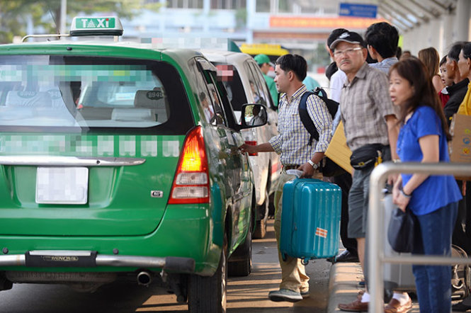 Dutchman shares tips on hailing cabs at Ho Chi Minh City airport