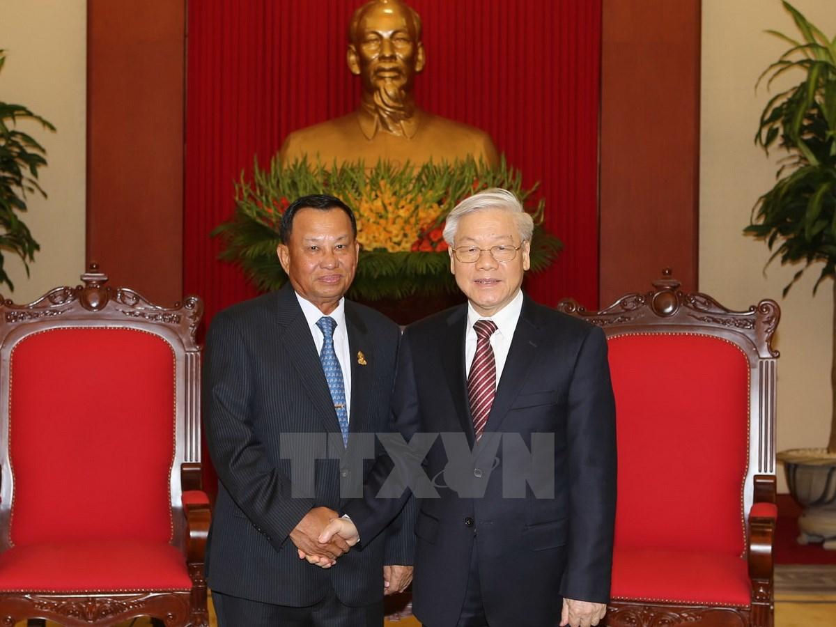 Vietnam Party chief meets Cambodian Senate president in Hanoi