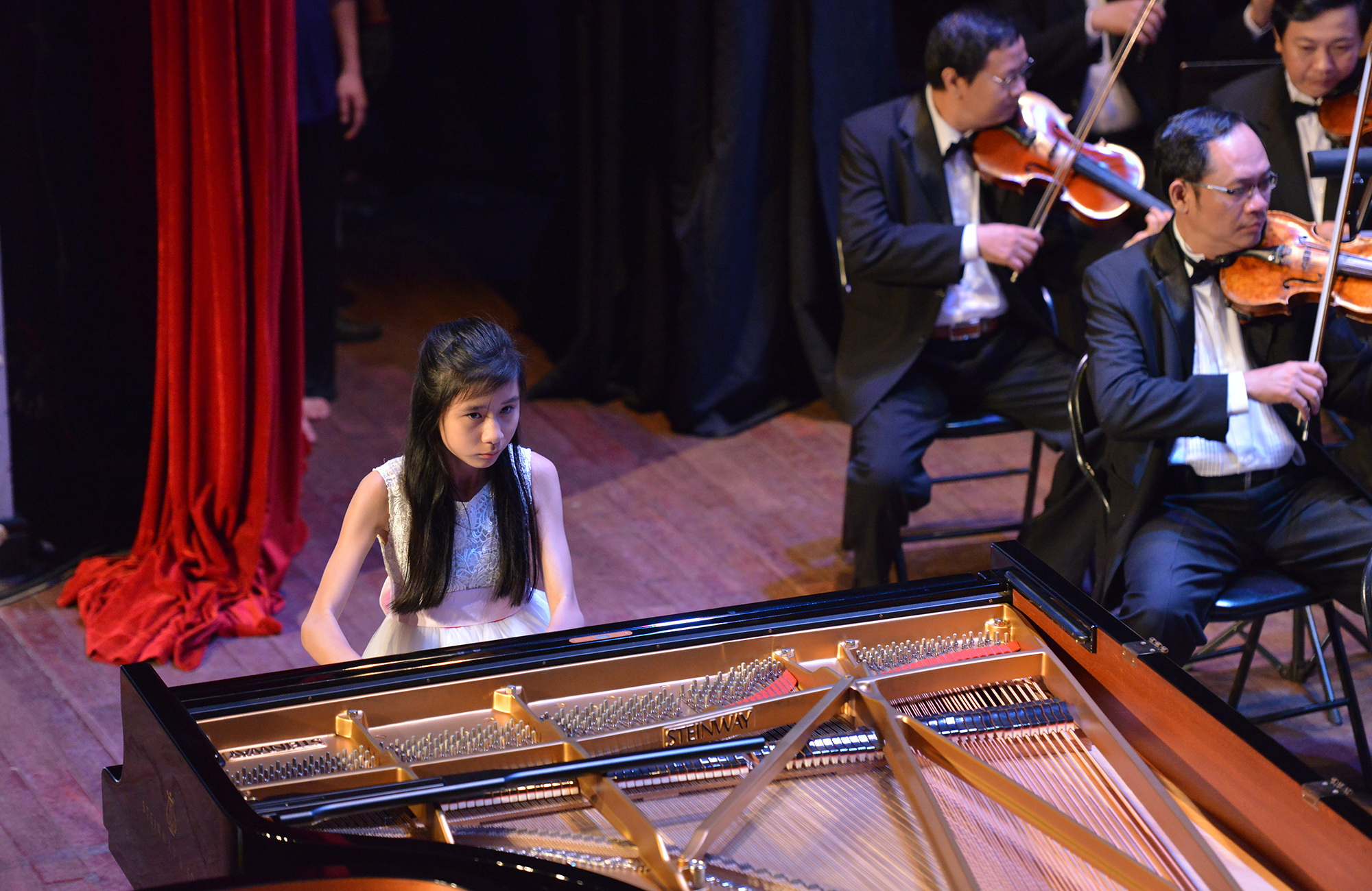 Young Vietnamese talent wins piano contest in Russia