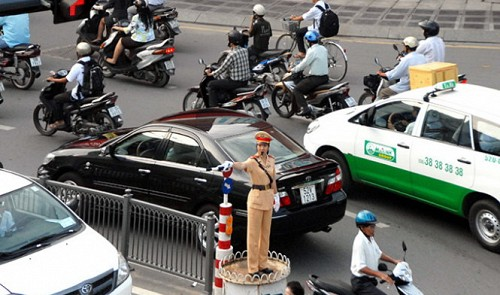 For a better Ho Chi Minh City: Improve traffic, standard of living
